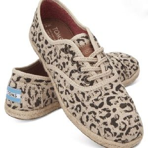 Toms snow leopard burlap shoes size 6.5